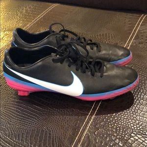 Women s Cristiano Ronaldo s Shoes on Poshmark 7acf3b1bf6